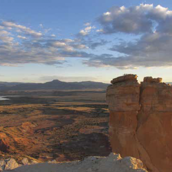 OUTDOOR ARTIST WALK: Red Hills & Mesas: Ghost Ranch Landscape Exploration